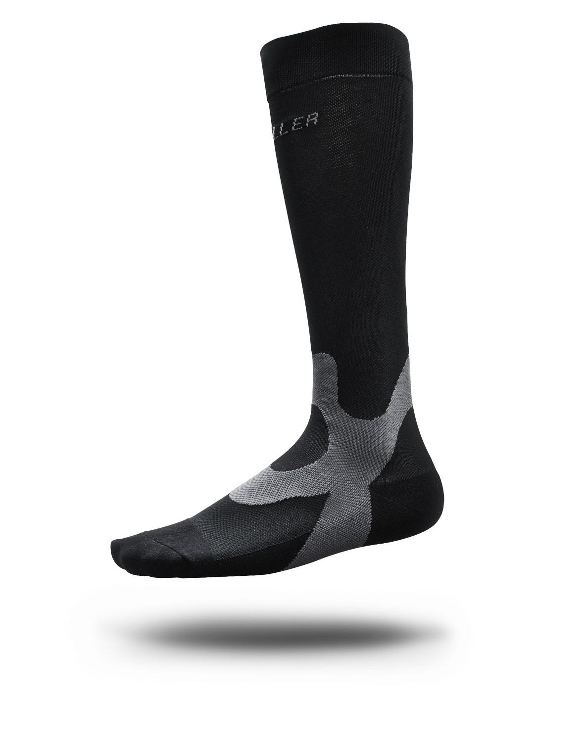 Mueller® Graduated Compression Socks Performance